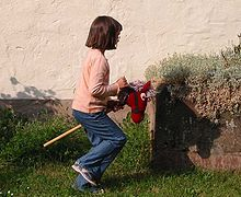 cheval-bâton contemporain