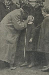 Clemenceau et sa canne à Laon en 1918