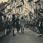 voûte de bâtons de compagnons de France et scouts