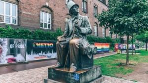 03 Copenhague Danemark Monument à Hans Christian Andersen romancier et dramaturge