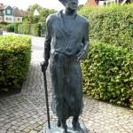 09 Kivik, Skane Suède Statue de Fritiof Nilsson Piraten écrivain