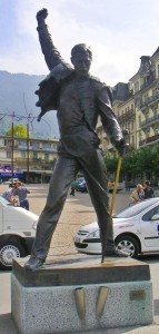 11 Montreux Suisse Statue de Freddy Mercury ( Farrokh Bulsara ) chanteur du groupe Queen