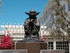 26 San Francisco Californie USA Statue de maître Yoda ( de l' Ordre Jedi ) Acteur et Philosophe