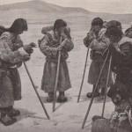 Bâtons de pélerines tibétaines en 1910