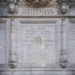 Flambeaux renversés tombe du maréchal Kellermann Père-Lachaise